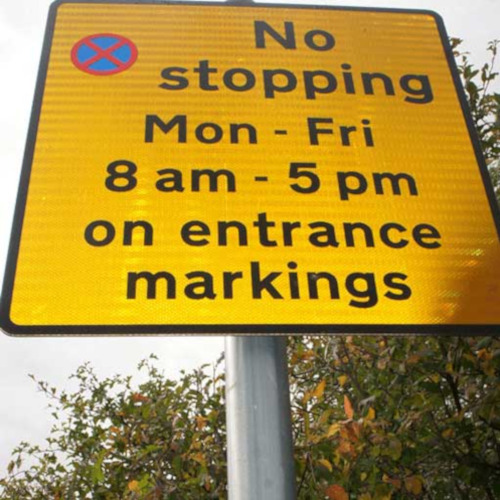 Förhindra att dina skyltar roterar genom vandalism, vind eller andra sätt!