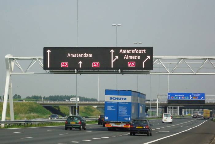 dynamic traffic management and route information